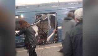 Wagon zniszczony w wybuchu w metrze w Petersburgu