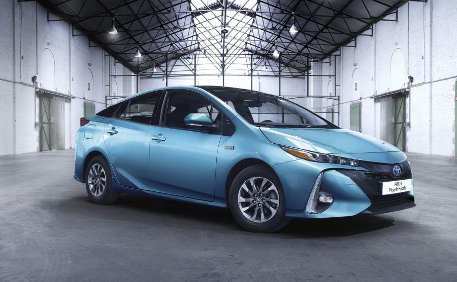 Toyota Prius Plug-in Hybrid -  - światowym zielonym samochodem 2017