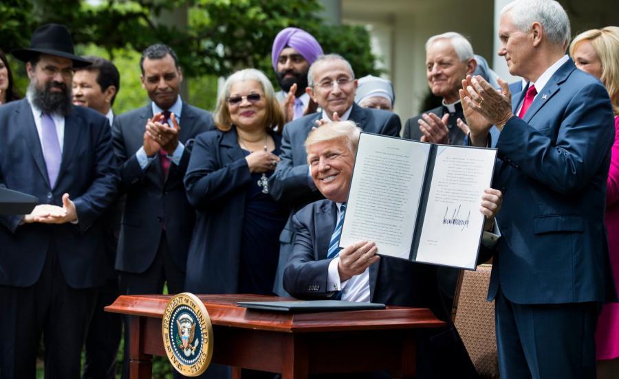Trump podpisał dekret