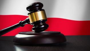 Sędziemu Mirosławowi T. zarzuca się przewinienie dyscyplinarne, którym jest wykroczenie - kradzież 50 zł na stacji paliw