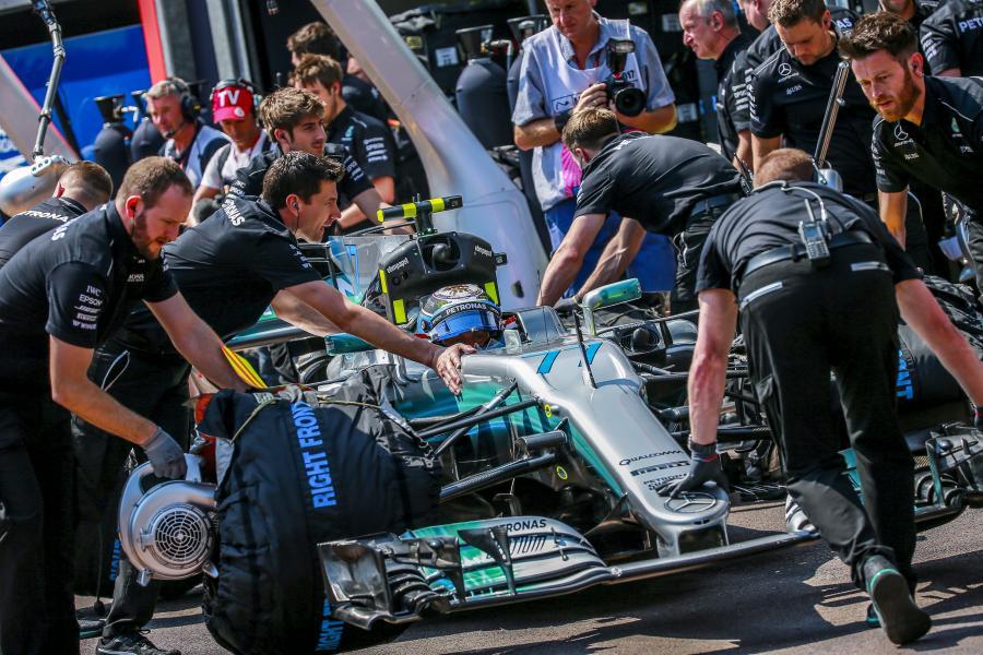 Ekipa Mercedes AMG GP w akcji podczas GP Monako