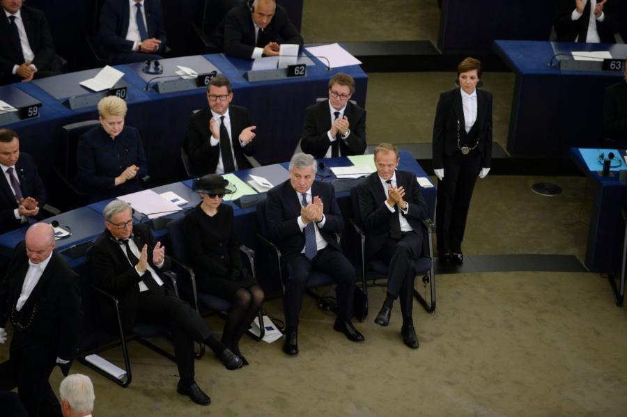 Jean-Claude Juncker, wdowa po Helmucie Kohlu Maike Kohl-Richter,  Antonio Tajani oraz Donald Tusk