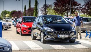 Ford fiesta Vignale i czerwona fiesta ST-Line