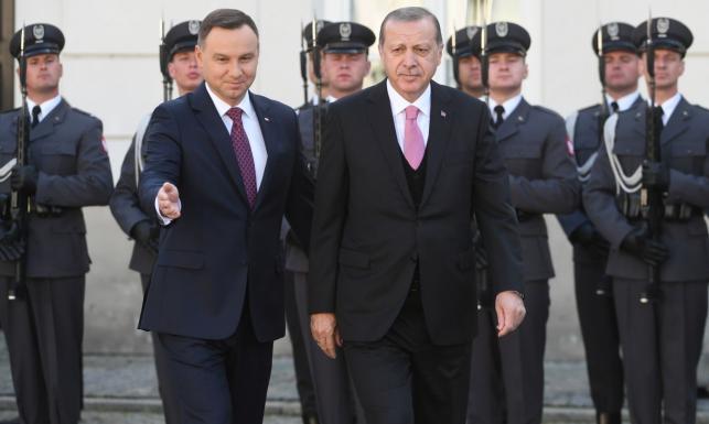 Prezydent Duda wita tureckiego przywódcę i popiera Ankarę w UE. Spotkanie Szydło - Erdogan odwołane