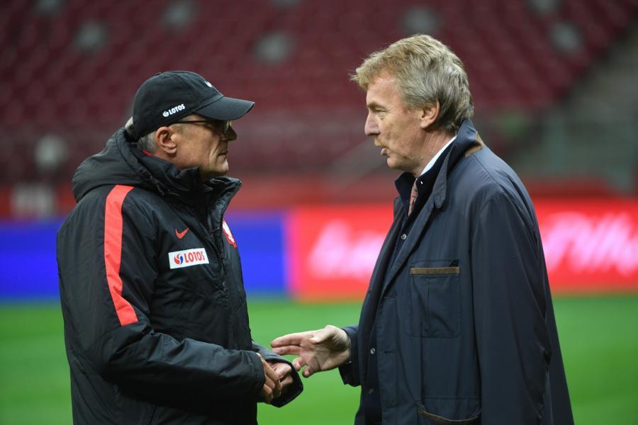 Prezes Polskiego Związku Piłki Nożnej Zbigniew Boniek (P) oraz trener piłkarskiej reprezentacji Polski Adam Nawałka (L)