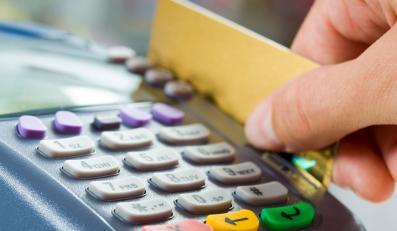 Płać kartą - oszczędzisz