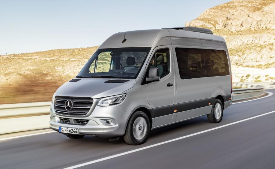 Nowy Sprinter może być wykorzystywany jako kamper, autobus lub ambulans