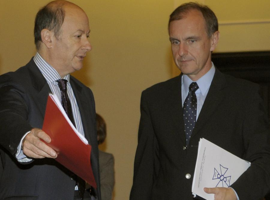 Rostowski chce bezlitośnie ciąć budżet armii