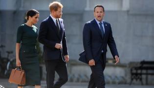 Księżna Meghan i książę Harry oraz premier Irlandii Leo Varadkar