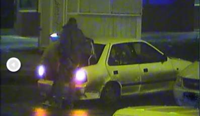 Pijany kierowca wiózł pasażerów w bagażniku