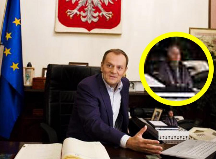 Co Donald Tusk trzyma na biurku?- Kaczyńskiego