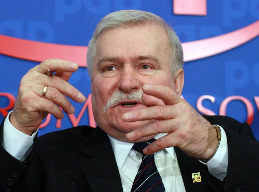 Wałęsa: Chavez to tchórz!