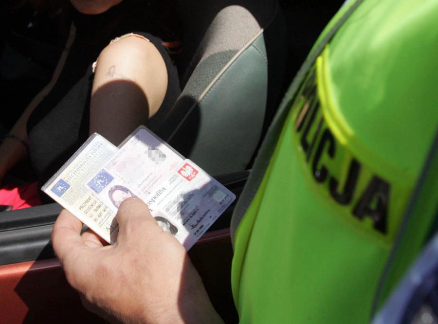 200 zarzutów za korupcję w szkołach jazdy