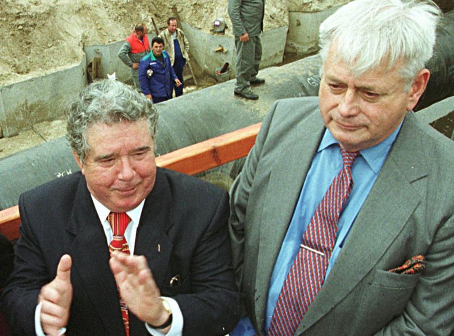 Gudzowaty sprzedaje Polsce rurę