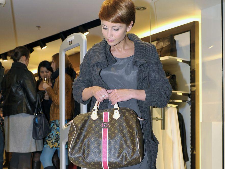Katarzyna Zielińska z torebką Louis Vuitton z własnymi inicjałami
