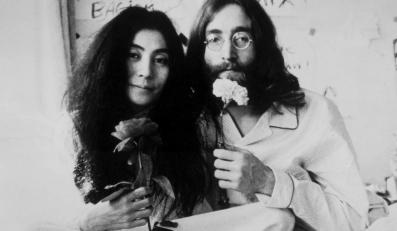 """Bed-In for Peace"": John Lennon i Yoko Ono w łóżku"