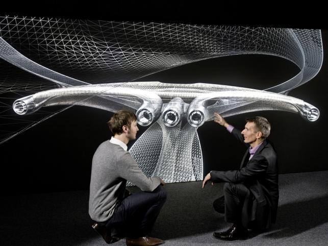 Rzeźba o nazwie Mercedes-Benz Aesthetics No. 2 to idea, która przybrała widzialny kształt.