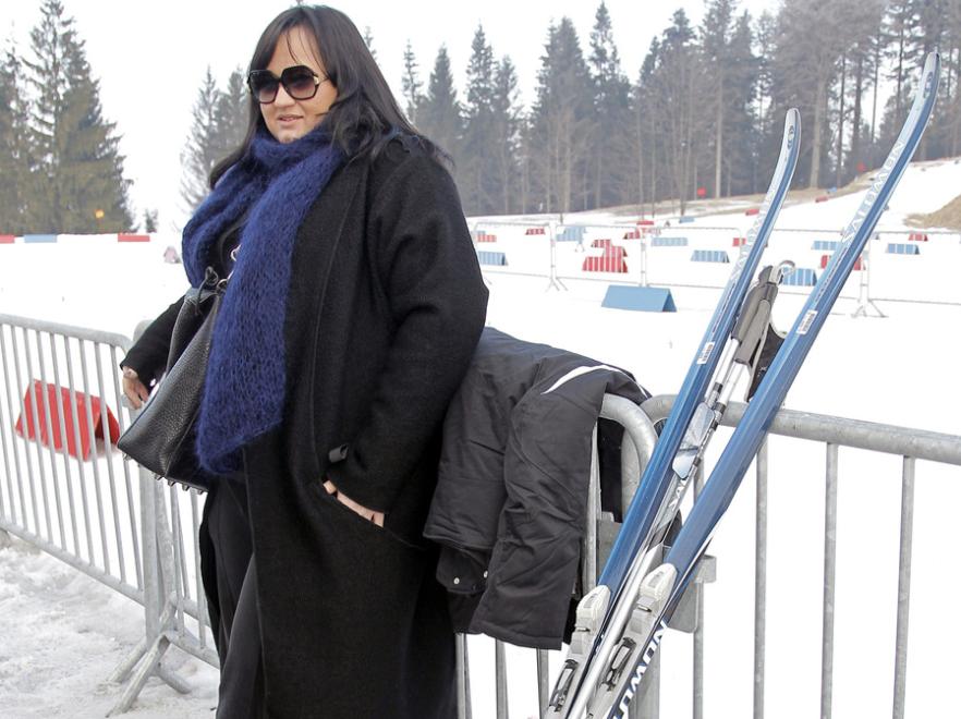 Gosia Baczyńska na stoku w długim płaszczu - nowa moda czy wpadka?
