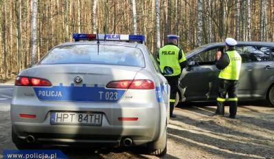Oto zdjęcia z kontroli drogowej prowadzonej przez warmińsko-mazurskich policjantów