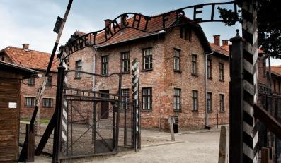 Kradzieży w Auschwitz dokonali pułkownik Posloszny i jego żona