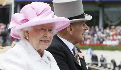 Królowa Elżbieta II z małżonkiem.