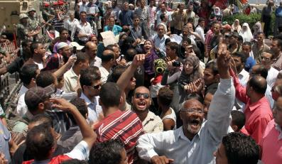 Obalenie Mubaraka kosztowało Egipt 3,5 mld dolarów