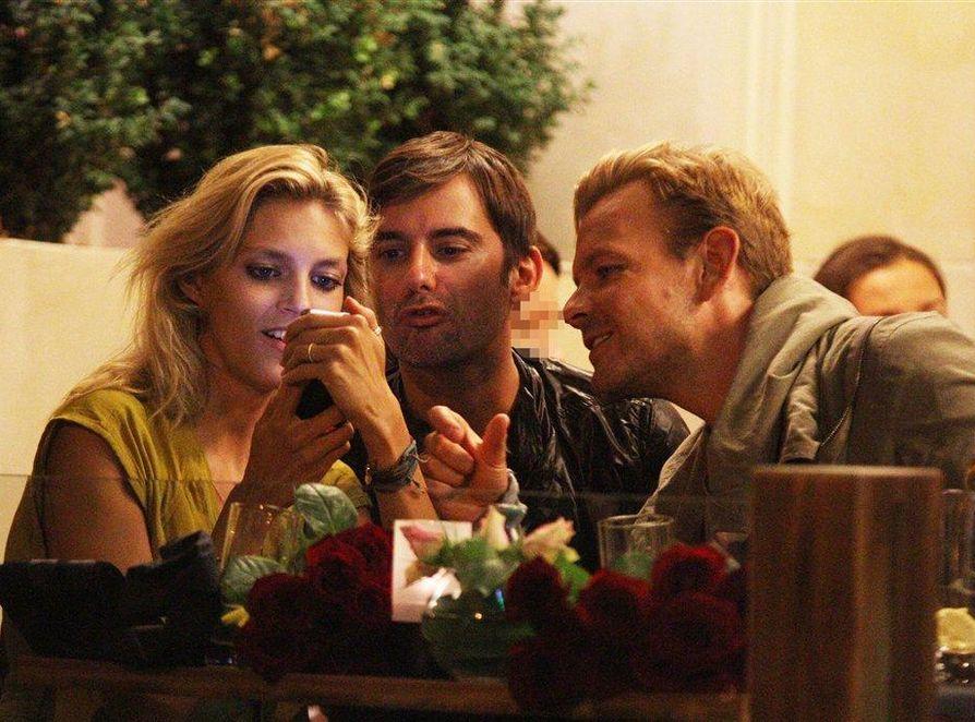Anja Rubik na kolacji z Dawidem Wolińskim i Marcinem Tyszką