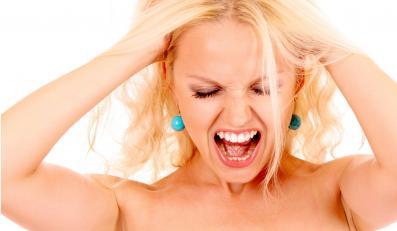 """""""Art. 51. § 1. Kto krzykiem, hałasem, alarmem lub innym wybrykiem zakłóca spokój(…)"""""""