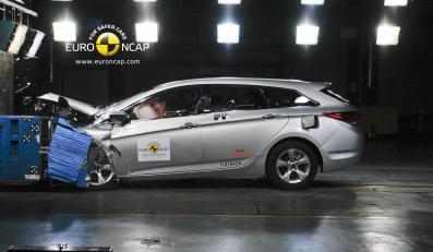 To już piąty niezniszczalny samochód… Dowody na filmie