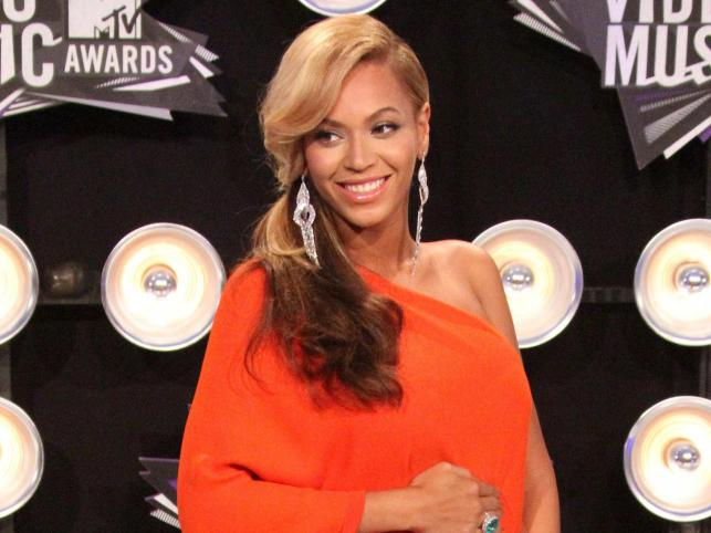 "1. Beyoncé (feat. Jay-Z) – ""Crazy In Love"""