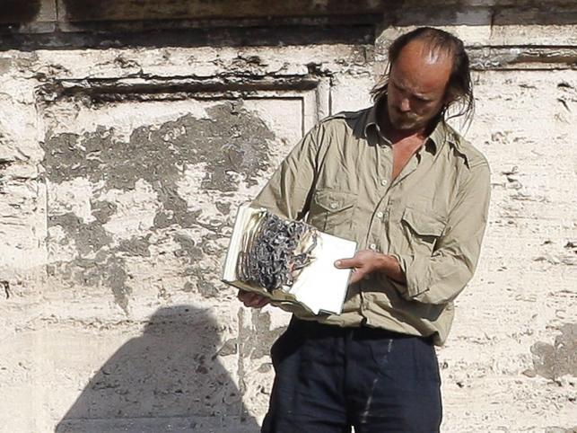 Mężczyzna, który spalił Biblię na Placu Świętego Piotra