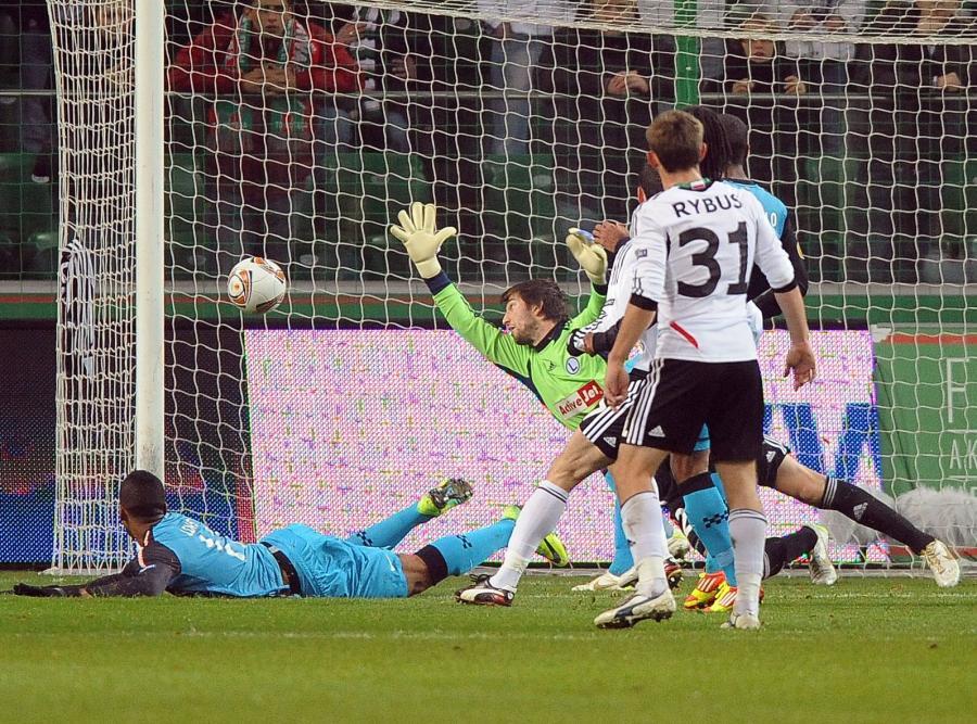Legia przegrała z PSV 0:3