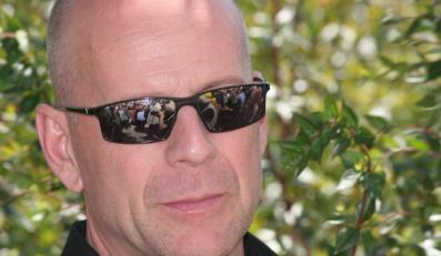 Bruce Willis facetem o wątpliwym morale?