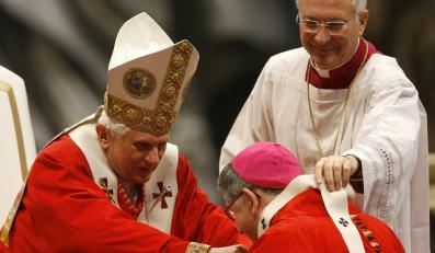 Benedykt XVI apeluje o pomoc dla ofiar księży-pedofilów