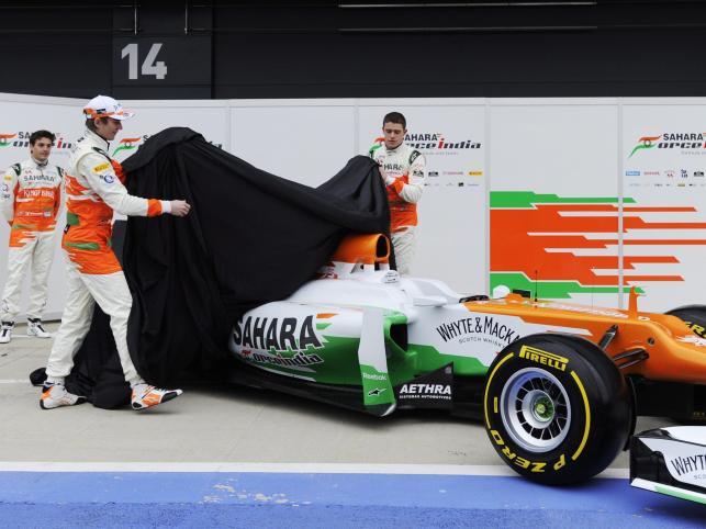 Paul di Resta i Nico Hulkenberg prezentują nowy bolid teamu Force India