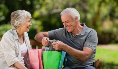 Seniorzy na zakupach