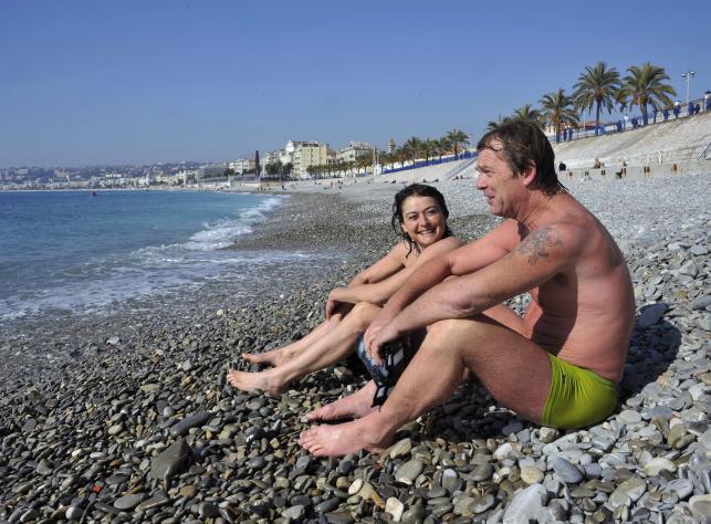 Temperatury na południu Francji wzrosły do 17 stopni Celsjusza. Może to jeszcze nie upał, ale wykąpać w morzu się da