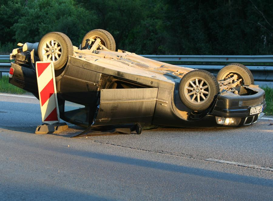 Niewyspani kierowcy niebezpieczni jak pijani