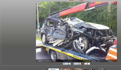 Zniszczony samochód Ewy Farnej