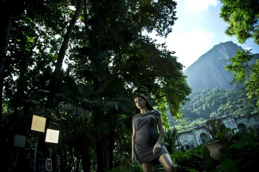 Adriana Lima - fotografia z sesji zdjęciowej do Kalendarza Pirelii 2013
