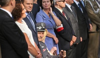 Prezes Zarządu Głównego Związku Powstańców Warszawskich Zbigniew Ścibor - Rylski  i premier Donald Tusk