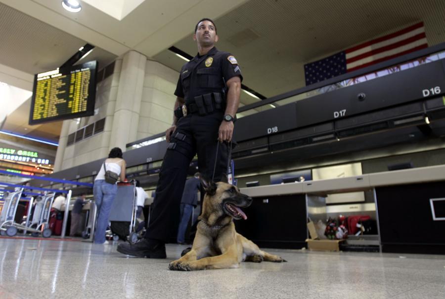 Strażnik na lotnisku w Los Angeles