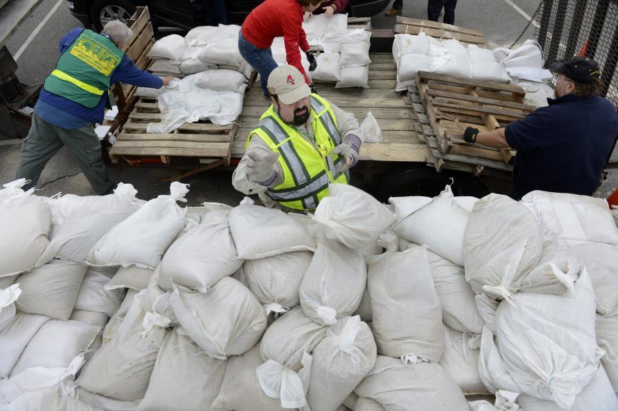 Nadciąga huragan Sandy. Mieszkańcy USA przygotowują się na uderzenie żywiołu