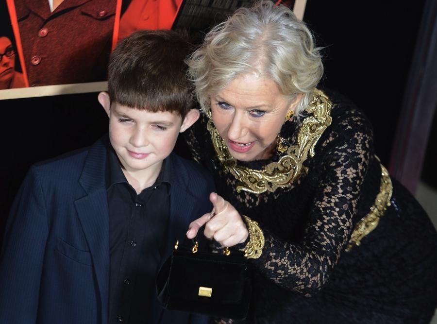 Helen Mirren z wnukiem Feliksem na premierze \