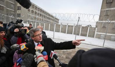 Prezydent Bronisław Komorowski przed aresztem na Białołęce