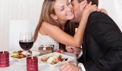 Zakochani przy kolacji