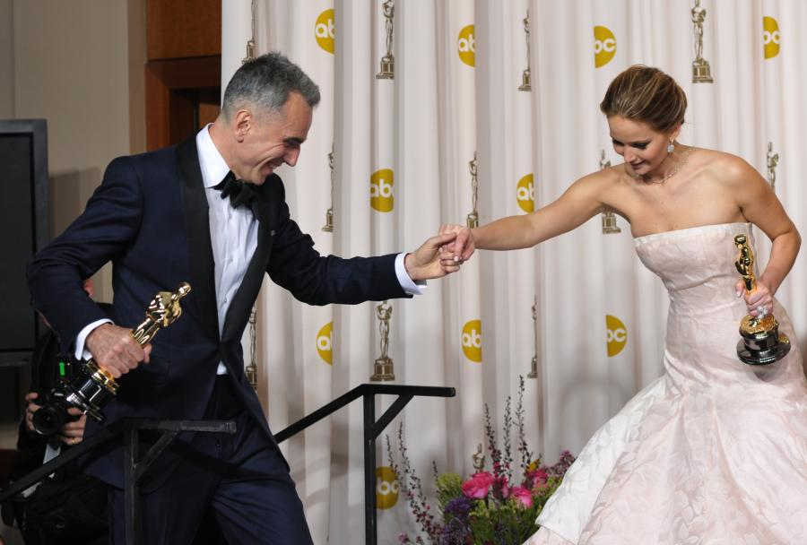 Daniel Day-Lewis i Jennifer Lawrence nagrodzeni Oscarami w roku 2013