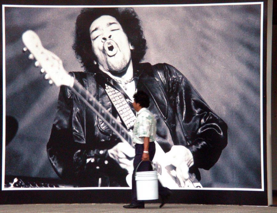 Jimi Hendrix na listach przebojów wyżej niż za życia