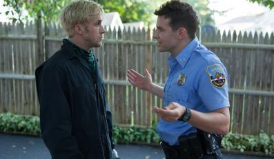 "Ryan Gosling i Bradley Cooper w filmie ""Drugie oblicze"""