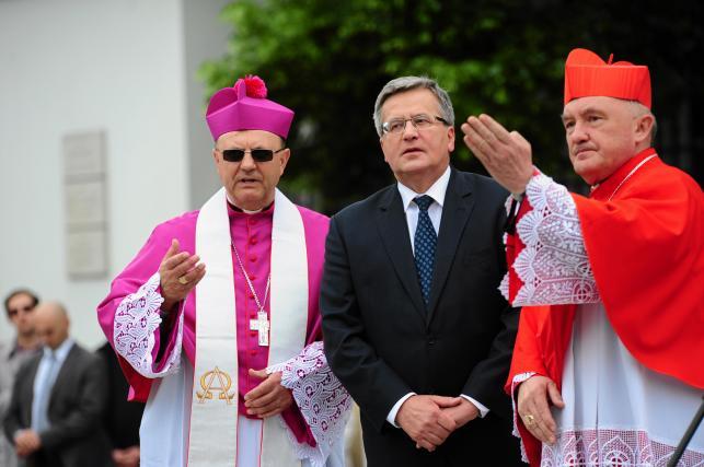 Święto Dziękczynienia w Warszawie. Procesja z relikwiami św. Andrzeja Boboli